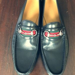 Gucci black loafers with web and horsebit